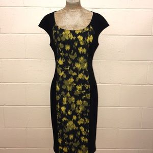 Michael Kors fitted mid length black/yellow leaf
